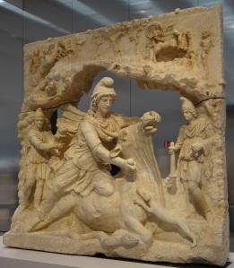 Français : Mithra sacrifiant le Taureau (100-200 après J-C) collection Borghése achat en 1807 par le Louvre , exposition dans la galerie du temps au Louvre-Lens by Serge Ottaviani