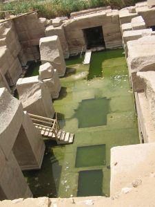The Oseirion, an Egyptian Initiatic site. Photo by Steve F-E-Cameron/Wikimedia.