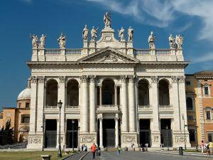 Façade of St. John Lateran, photo by Jastrow/Wikimedia Commons.