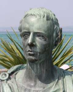 A Modern statue of the roman poet Gaius Valerius Catullus in Sirmione. Photo: Schorle