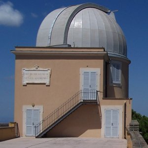 Vatican Observatory, photo © Rb85z37